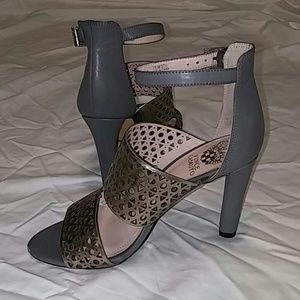 Sexy Elegant Gray Vince Camuto High Heels Sz 7.5